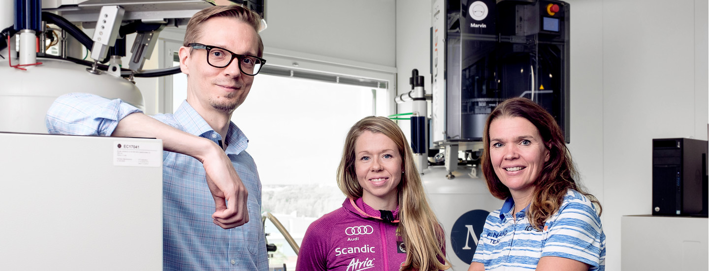 Nightingale Health CEO and founder, Teemu Suna with Olympic Cross-Country Skier Laura Mononen and Dr Maarit Valtonen, the lead Medical Doctor for the Finnish Olympic Team at Nightingale's laboratory in Helsinki.